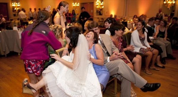 10 Fun Activities To Do At Your Wedding Reception | Sugar Weddings ...